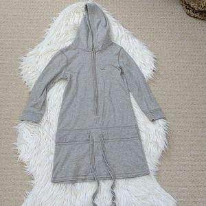3/$20 Hollister | pullover, size medium